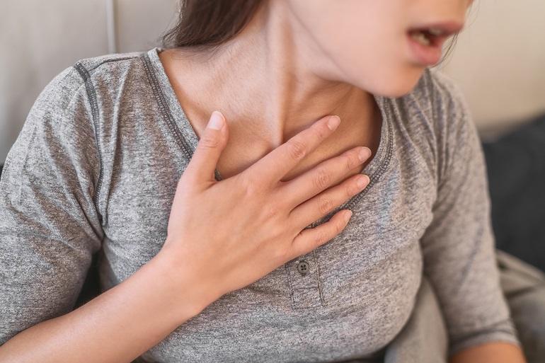 Koronawirus a grypa - duszności